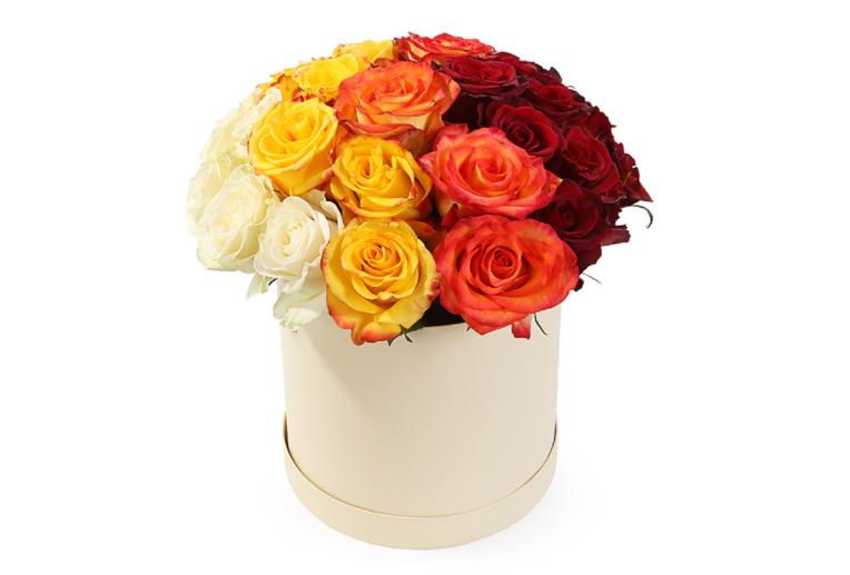 Розы в шляпной коробке от Опаз.
