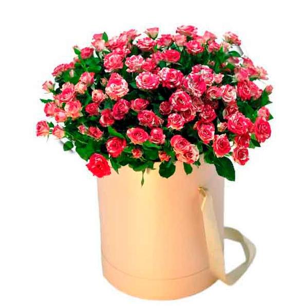 Цветы в шляпной коробке с доставкой по СПб.