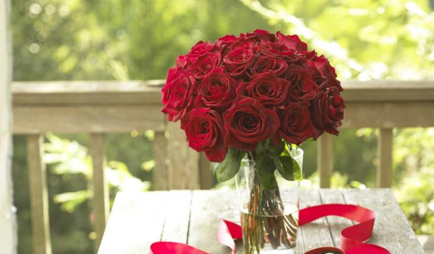 Купить цветы с доставкой дешево в СПб у Опаз.