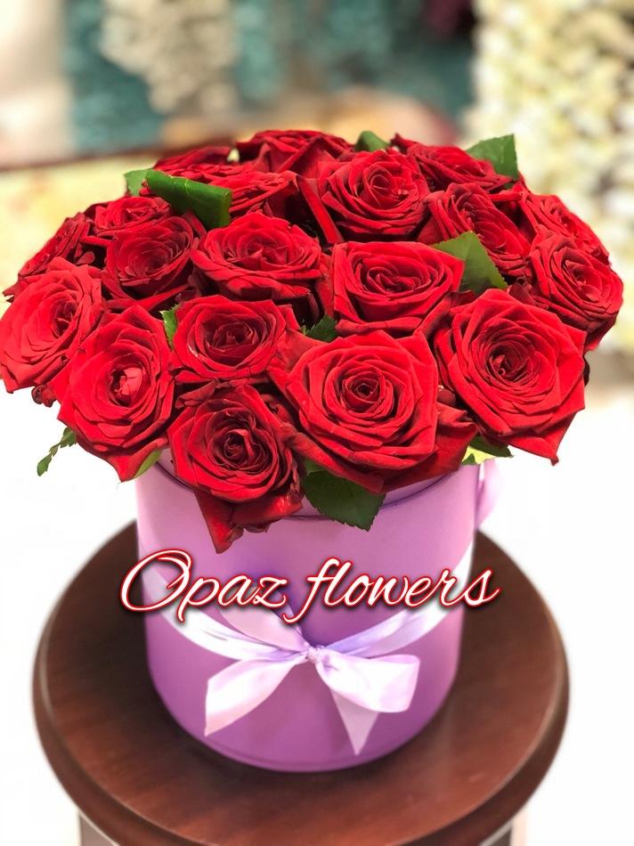 Шляпная коробка розовая 25 роз
