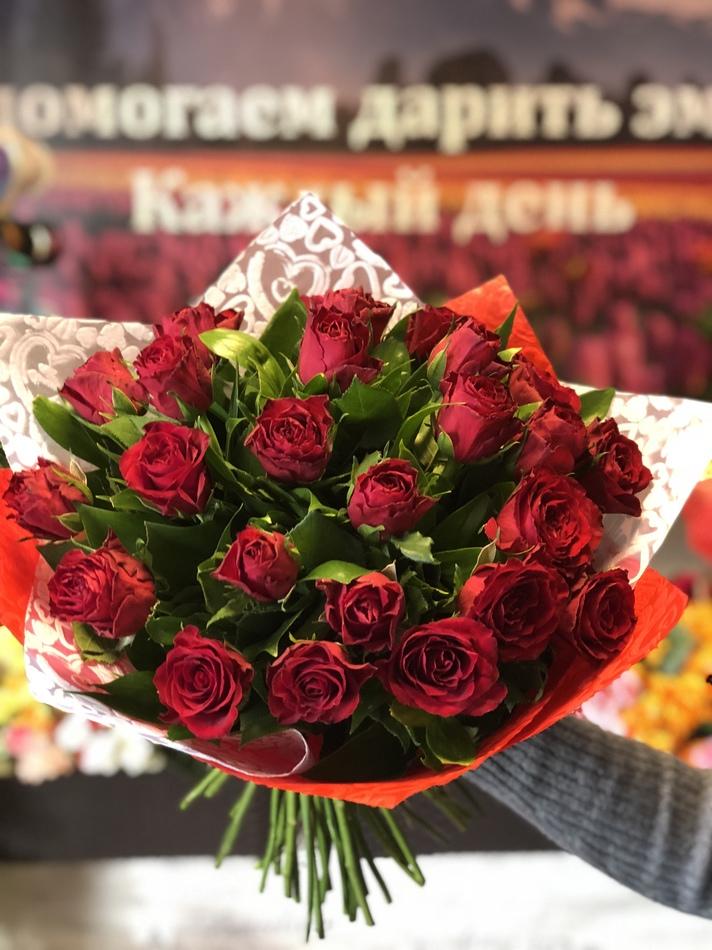 к-001 Букет 25 роз Кения