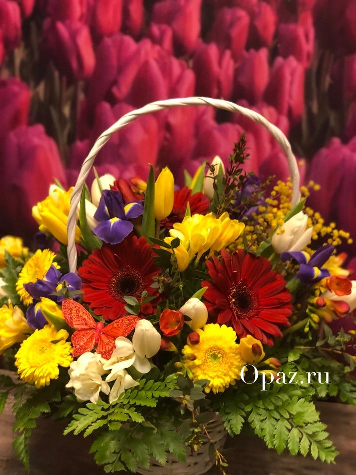 017 Цветочная корзина в оформлении