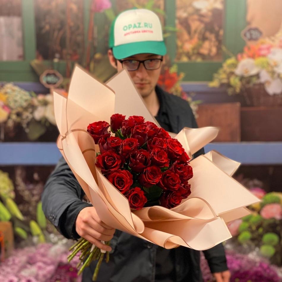 25 роз 40см Голландия Premium №РС-115 в оформлении.