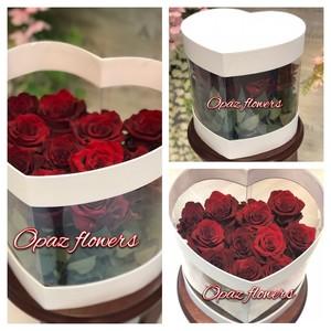Шляпная коробка белая 15 роз