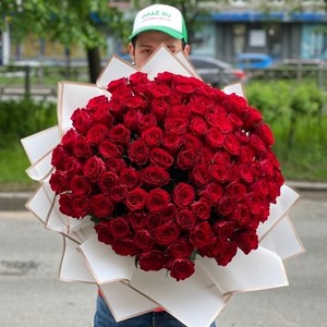 101 роза 50см Premium №РС-130 в оформлении.