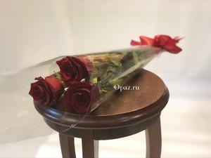 3 розы 70см. в оформлении