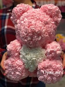 Розовый мишка белое сердце