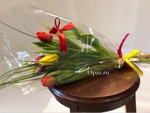 т-005 Букет из тюльпанов 5 шт. в оформлении