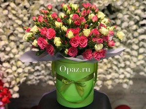 Шляпная коробка зеленая 25 кустовых роз