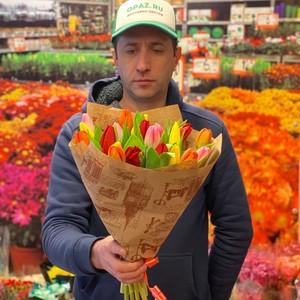 Букет 25 тюльпанов микс в оформлении №ТУ60