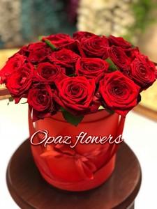 Шляпная коробка красная 25 роз