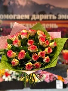 25 розовых роз Кения 40 см