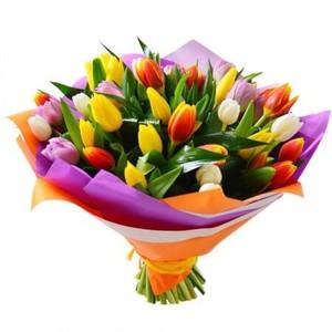 т-046 Букет 31 тюльпан в оформлении