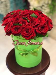 Шляпная коробка зеленая 25 роз