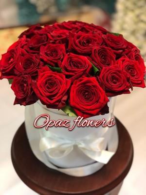 Шляпная коробка белая 25 роз
