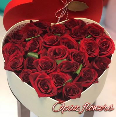 25 роз в шляпной  коробке шк3