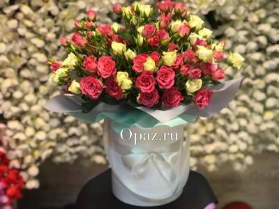 Шляпная коробка белая 25 кустовых роз