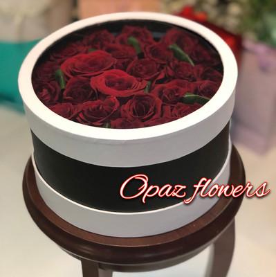 25 роз в шляпной  коробке шк6
