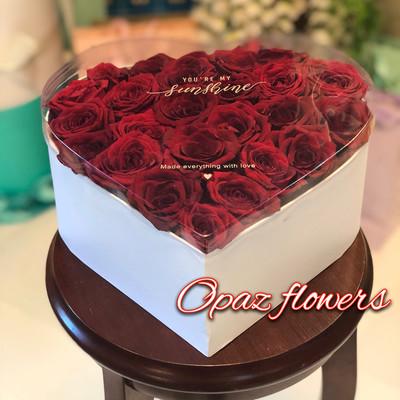 25 роз в шляпной  коробке шк4